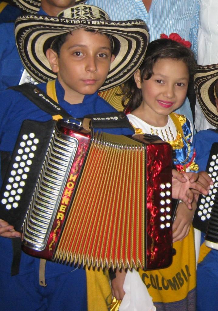 Sebastian Sepulveda con la cantante Edith Johanna Acuna-Ganadores del Festival de la Leyenda Vallenata